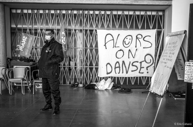 banderoles culture en danger occupation de la comédie de clermont-ferrand