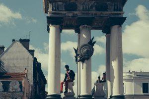 photo manifestation culture en danger et statue de vercingétorix