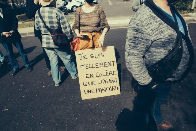 Campagne de Vaccination massive contre la RAC (Réforme de l'Assurance Chômage) devant le siège local du Medef